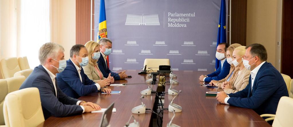 29.06.2020 Primele consultări pe marginea priorităților Guvernului anti-criză, organizate de Grupul parlamentar PRO MOLDOVA