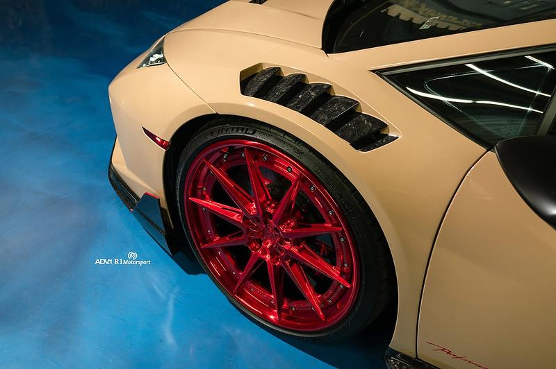 lamborghini-huracan-performance-desert-sand-tan-candy-red-wheels-2