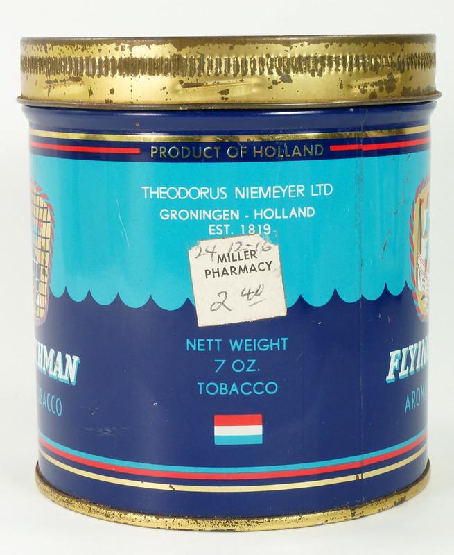 RD16115 Vintage FLYING DUTCHMAN Tobacco Tin - Made in Holland - 7 oz. DSC08518