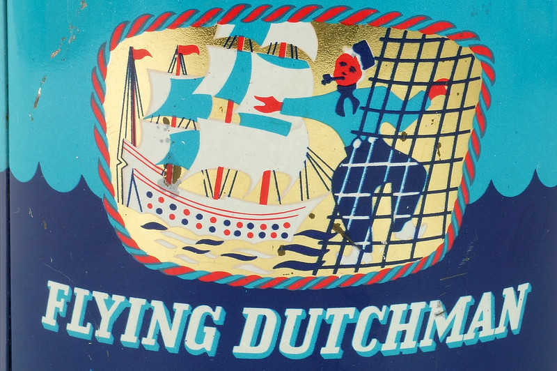 RD16115 Vintage FLYING DUTCHMAN Tobacco Tin - Made in Holland - 7 oz. DSC08523