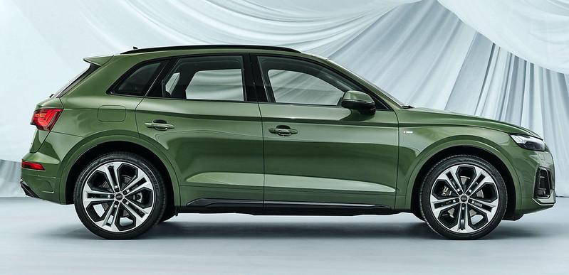 2021-Audi-Q5-76