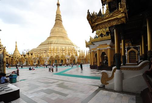 Shwedagon Paya, Yangon, Myanmar_(Birmania)_D700_385