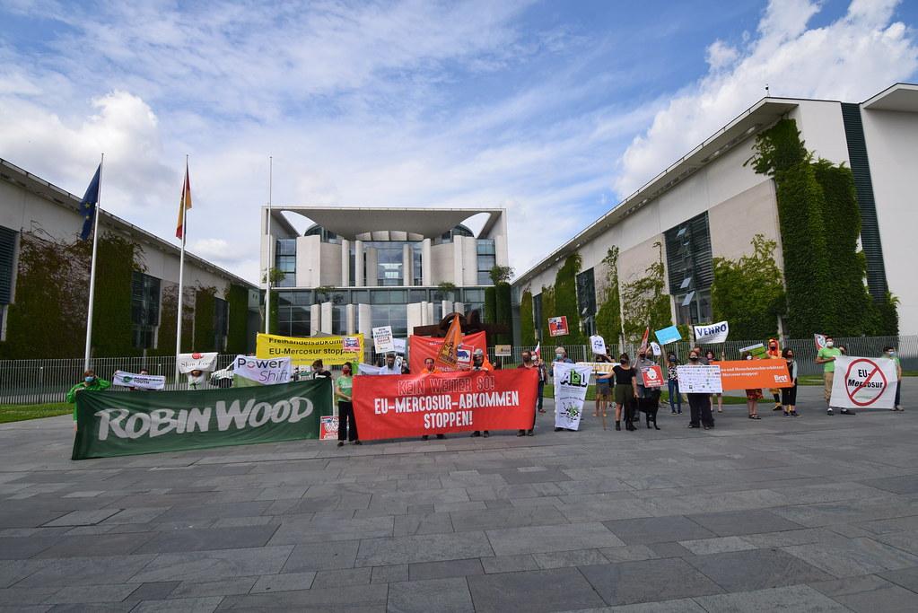 EU-Mercosur-Abkommen stoppen! Protest vor dem Bundeskanzleramt 29.06.2020