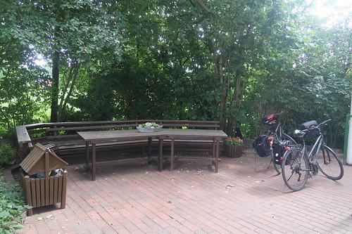 Sitzecke am Ortseingang des Dorfes Benstrup