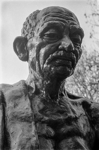 Mahatma Gandhi, Tavistock Square, Bloomsbury, Camden, 1987  87-2b-01-positive_2400