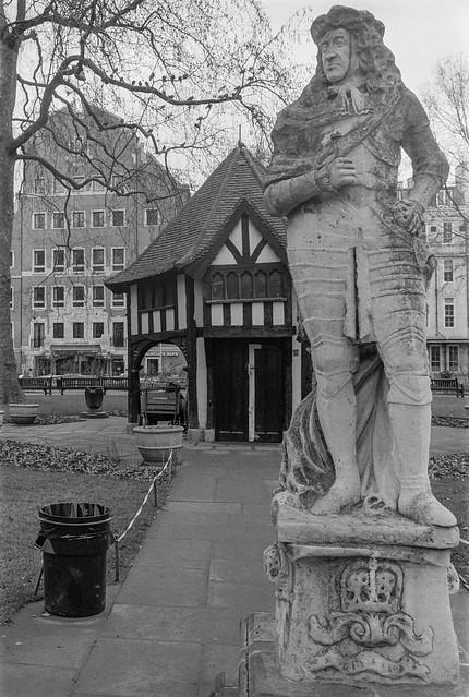 Charles II, Cibber, Soho Square, Soho, Westminster, 1987 87-2e-24-positive_2400
