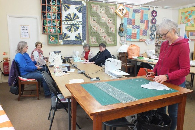 Cushion-making at Tudor Rose - Mar 2019