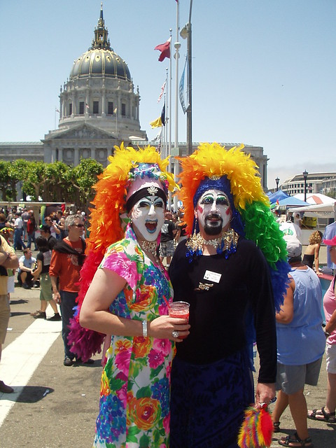 SISTERS of PERPETUAL INDULGENCE ! (SAN FRANCISCO 2006) HAPPY PRIDE ! PHOTOS of PAST PRIDE PARADES! ( safe photo )
