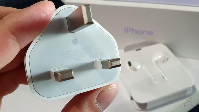 Pemilik iPhone 12 Kena beli Kepala Pengecas & Fon Kepala Berasingan