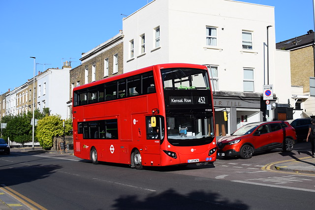 Tower Transit | MV28238 | Route 452 | Wandsworth Road