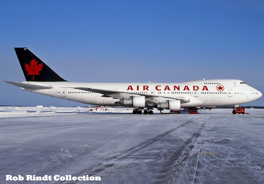 Air Canada B747-133 C-FTOC