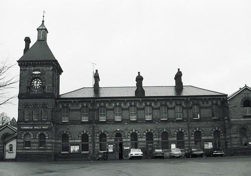 Tunbridge Wells West station