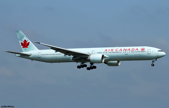 Air Canada Boeing 777-333(ER) C-FITW