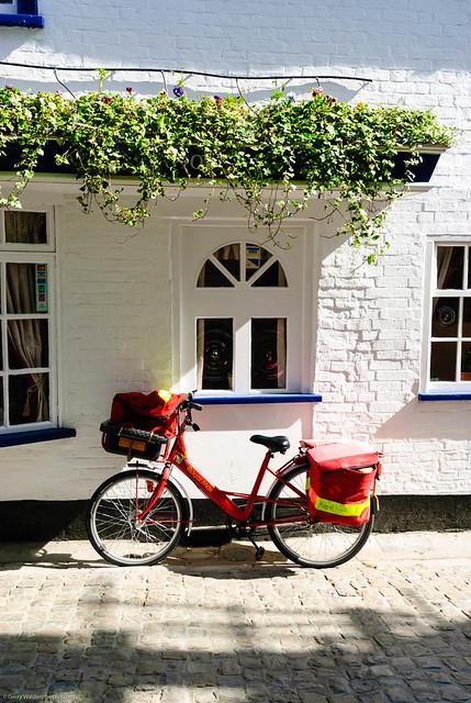 Post Bike