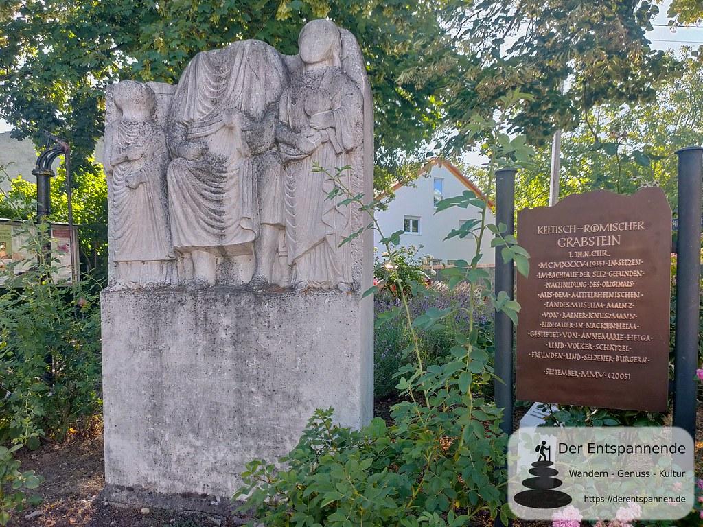 Keltisch-Römischer Grabstein (Nachbildung), 1935 im Bachlauf der Selz bei Selzen gefunden.