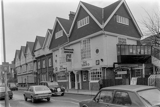 Tabard Inn, Bath Rd, Bedford Park, Turnham Green, Hounslow, 198787-2m-15-positive_2400