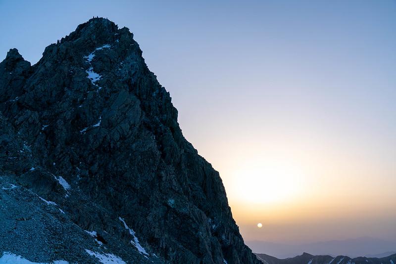 槍ヶ岳の朝日