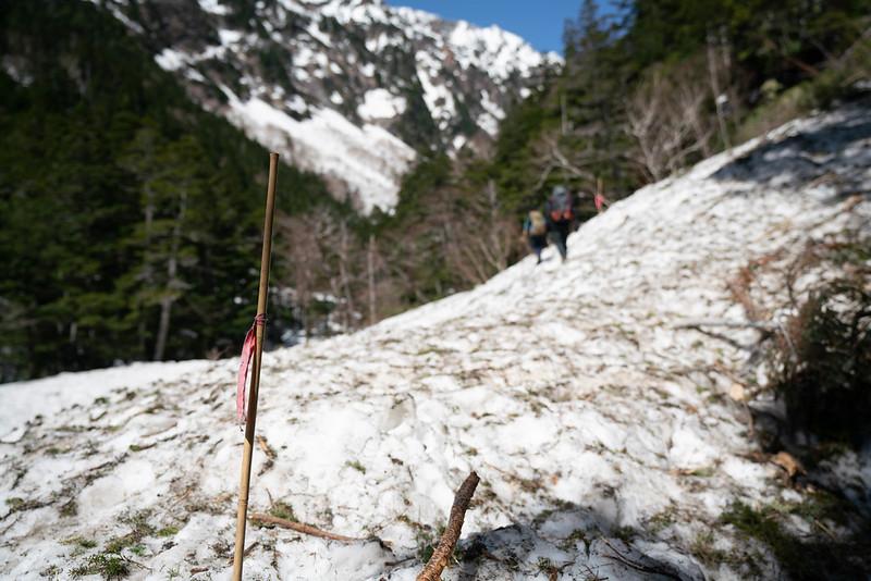 残雪期の槍ヶ岳登山道