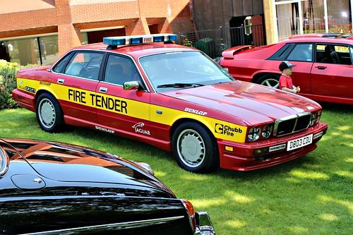 jaguar british 1980s xj6 xj40 emergency coventry2016 d803cdu