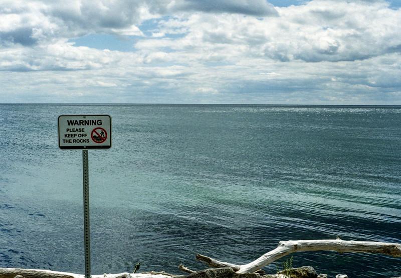 Warning Please Keek Off the Rocks