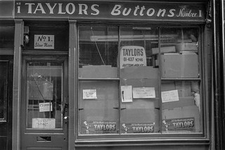 Taylors Buttons, Silver Place, Soho, Westminster, 1987 87-2h-35-positive_2400