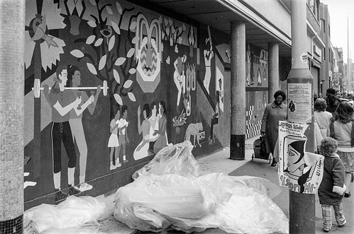 Mural, Coldharbour Lane, Brixton, Lambeth, 1987 87-2o-15-positive_2400 | by peter marshall