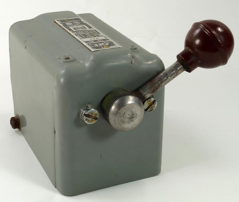 RD30573 Vintage Furnas Forward Reverse Controller Switch R-44 Logan Metal Lathe DSC08629