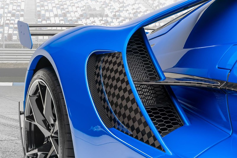 Le-Mansory-Ford-GT-10