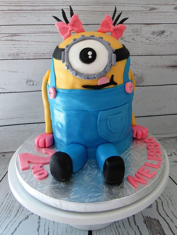 Minion Cake by Sweet Memories