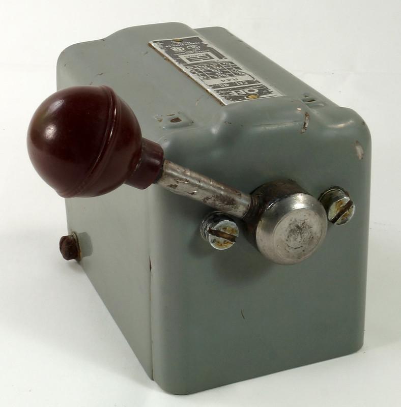 RD30573 Vintage Furnas Forward Reverse Controller Switch R-44 Logan Metal Lathe DSC08630
