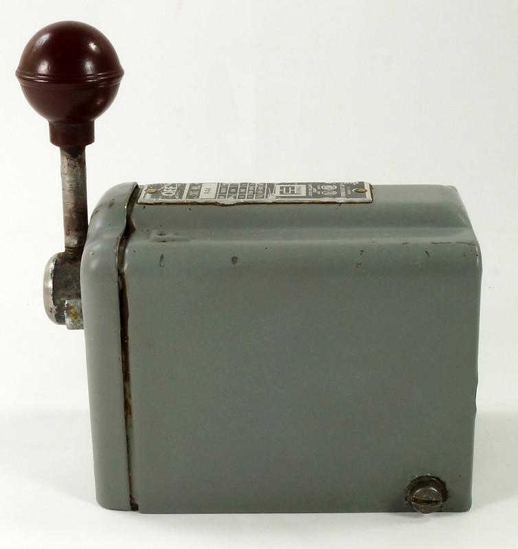 RD30573 Vintage Furnas Forward Reverse Controller Switch R-44 Logan Metal Lathe DSC08627