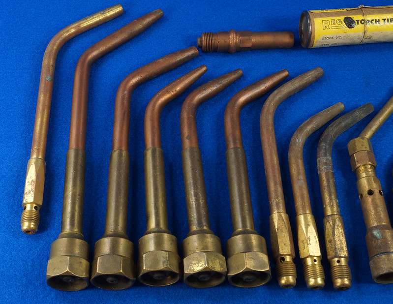 RD27955 Vintage Cutting Welding Brass & Copper Torch Tips Parts Lot Of 17 pcs & Parker Coupler DSC08582