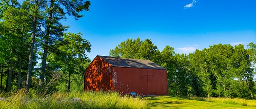 Brown's red barn | by Marck Wart