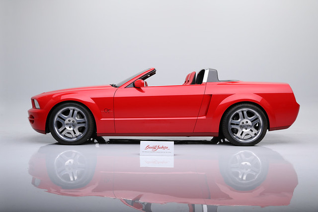 2003-Ford-Mustang-GT-Convertible-Concept-33