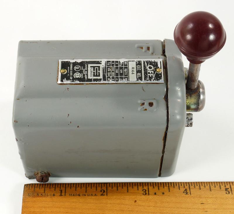 RD30573 Vintage Furnas Forward Reverse Controller Switch R-44 Logan Metal Lathe DSC08620
