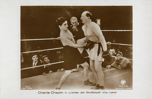 Charlie Chaplin, Eddie Baker and Hank Mann in City Lights (1931)