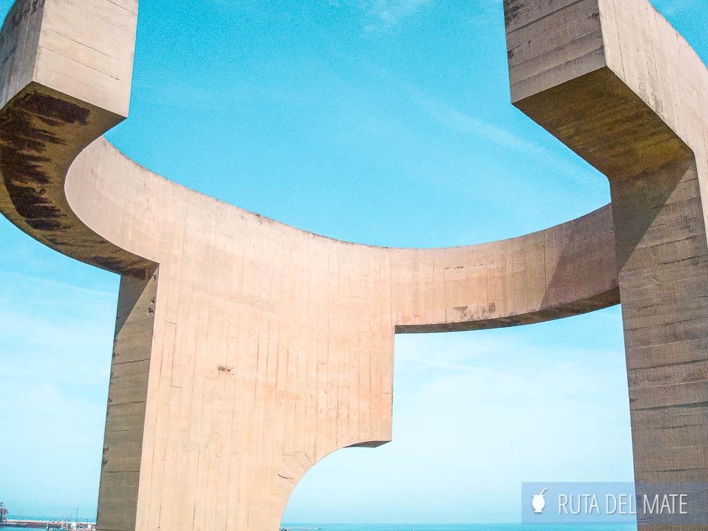 Elogio del Horizonte, uno de los monumentos más curiosos que ver en Gijon