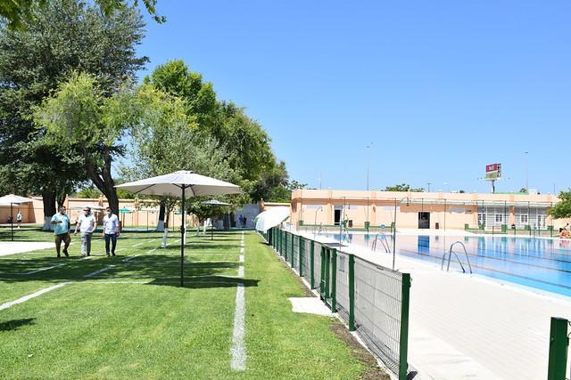 Apertura de las piscinas de Los Palacios y Vfca