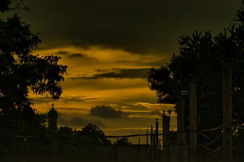 montreal mileend sky skyporn drama dramatic sunset monotone pentaxk3ii pentax smcpentaxda18135mmf3556edalifdcwr