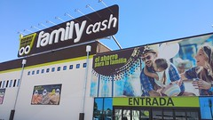 inauguracion-famili-cash-tomelloso