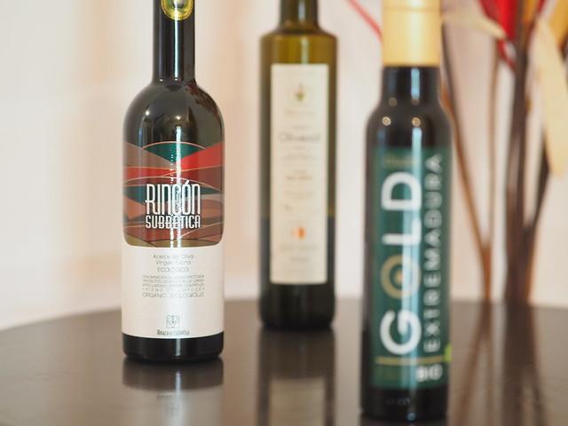 Bottles of Olive Oil © Olivenöl Flaschen Lebensmittel ©