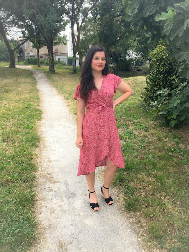 Pourquoi la robe portefeuille est tendance et correspond à toutes les morphologies ?