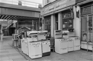 White goods, Coldharbour Lane, Loughborough Junction, Lambeth, 1987 87-2p-36-positive_2400