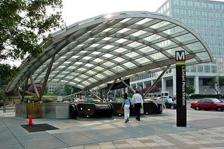 Entrance to L'Enfant Plaza station [01] | by SchuminWeb