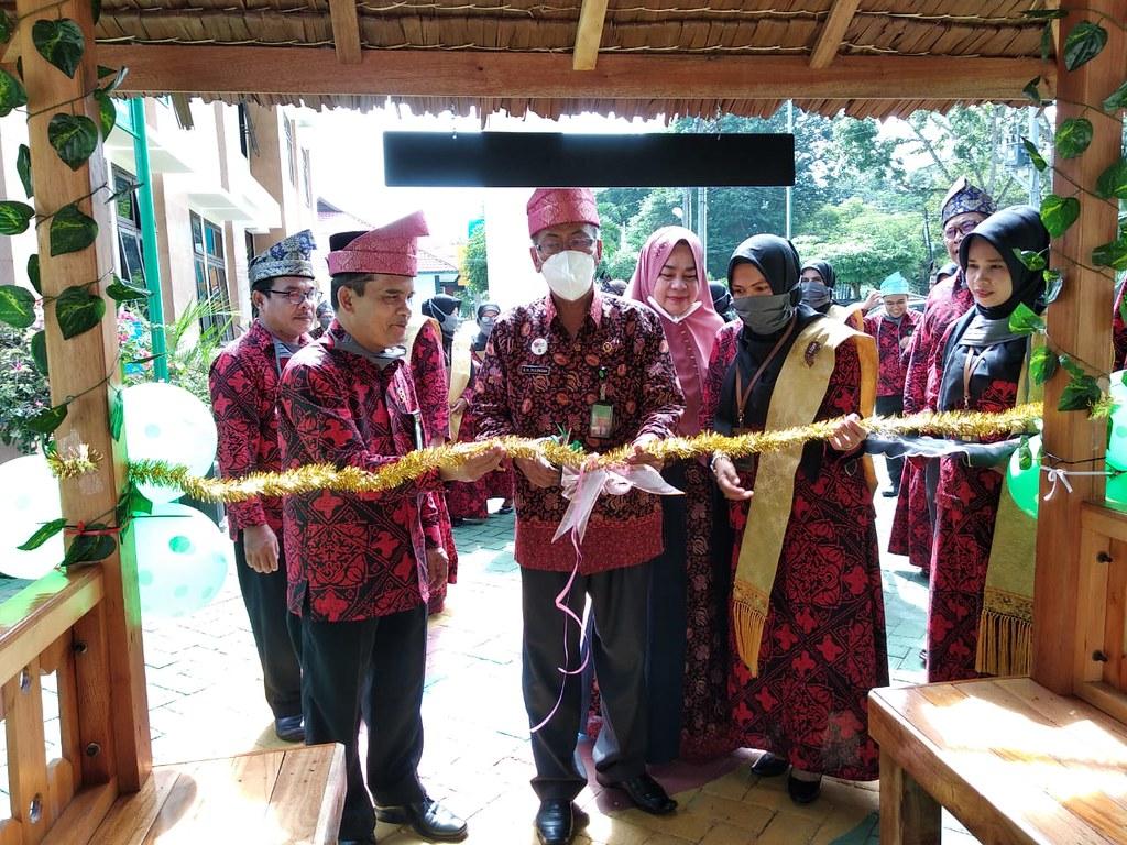 KPTA Medan Resmikan Fasilitas Publik PA Stabat | (14/7)