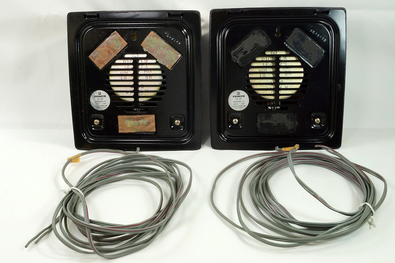 RD29659 Vintage 1968 Pioneer Car Stereo Speaker System TS-20 Pair in Original Box DSC08656
