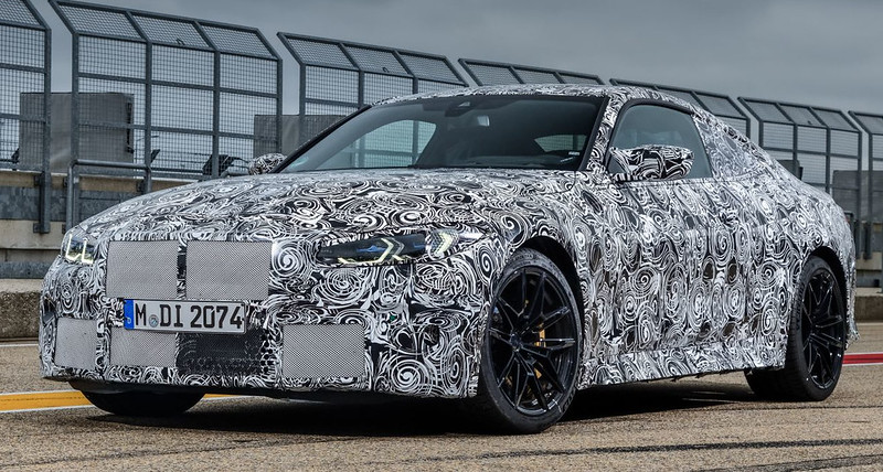 2021-BMW-M4-Coupe-9