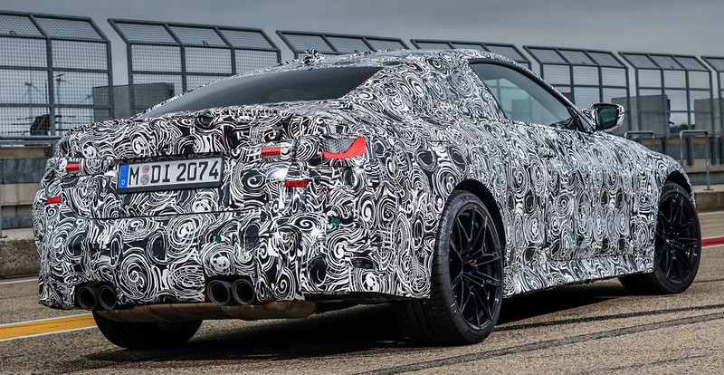 2021-BMW-M4-Coupe-14