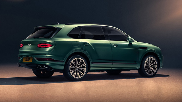 New Bentayga - Alpine Green - 7