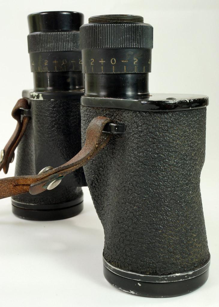 RD24853 Vintage 1942 WW2 US Army M-3 6X30 Field Binoculars DSC08676